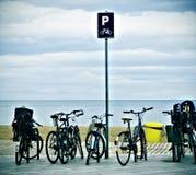 Biciclette e mare Fotografia Stock