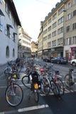 Biciclette parcheggiate in Lucerna, Svizzera. Immagini Stock