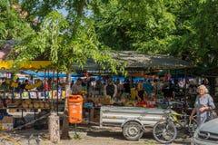 Biciclette parcheggiate nel centro di Sombor Fotografia Stock
