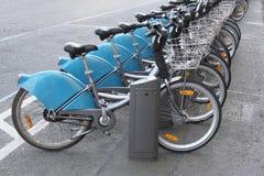Biciclette per affitto Immagini Stock
