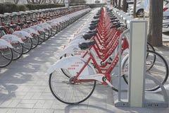 Biciclette pubbliche Immagine Stock