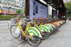 Biciclette pubbliche a Nanhai Immagine Stock