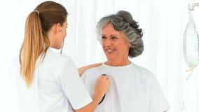bicie serca cierpliwy pielęgniarki jej zabranie zdjęcie wideo