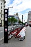 Bicing cykelstation i Barcelona, Spanien Royaltyfria Bilder