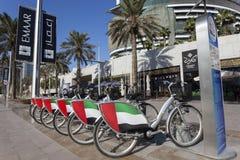 Bicis de alquiler en Dubai Foto de archivo