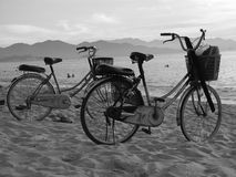 Bicis de la playa Foto de archivo libre de regalías
