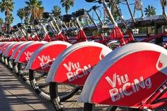 Bicis del alquiler de Barcelona Fotos de archivo libres de regalías