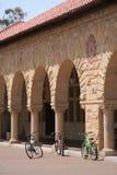 Bicis del patio de la Universidad de Stanford Fotografía de archivo