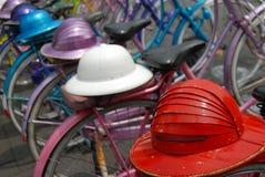 Bicis y cascos Foto de archivo libre de regalías