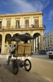 Bicitaxi die in de straat van Havana, 9 JULI, 2010 wordt geparkeerd. Stock Afbeeldingen