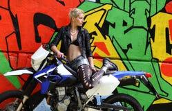 Bicker graffiti kobieta i obraz royalty free