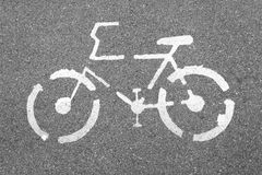 Bicycle знак на конкретной дороге текстуры, взгляд сверху Стоковые Фотографии RF
