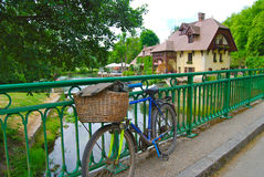 Bicycle with picnic basket France Stock Photo