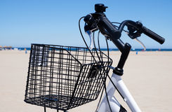 Bicycle next to the sea Royalty Free Stock Photos