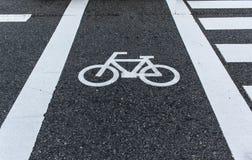 Bicycle o sinal de estrada Imagens de Stock