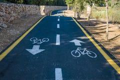 Bicycle o sinal na estrada usada para o cruzamento pedestre imagem de stock royalty free