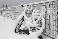 Bicycle and snow Royalty Free Stock Photography
