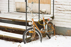Bicycle in snow Royalty Free Stock Image