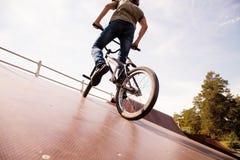 bicycler bmx rampa Zdjęcia Stock
