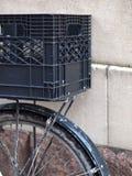 Bicyclette avec le transporteur Photographie stock libre de droits