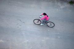 Bicyclette d'équitation photo stock