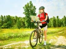 Bicyclette d'équitation de femme Image libre de droits