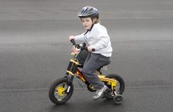 Bicyclette d'équitation Images stock