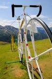 Bicyclette dans la montagne Image libre de droits