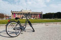 Bicyclette dans le musée d'Altes - Berlin Image libre de droits