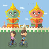 Bicyclette de touristes de tour chez la Thaïlande Photographie stock