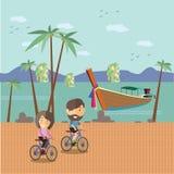 Bicyclette de touristes de tour chez la Thaïlande Image libre de droits