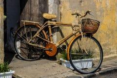Bicyclette en bambou et dans Hoi, Vietnam Images libres de droits