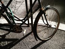 Bicyclette et ombres Photo stock