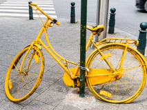 Bicyclette jaune Photographie stock