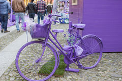 Bicyclette pourpre Photos stock