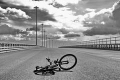 Bicyclette sur l'asphalte Image libre de droits