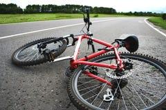 Bicyclette sur la route Photos stock