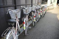 Bicyclettes identiques Photo libre de droits