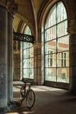 Bicycling wokoło kolumny fotografia royalty free