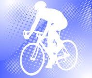 Bicyclist sui precedenti di semitono Fotografia Stock