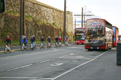 Bicyclists στην οδό του Όσλο, Νορβηγία Στοκ εικόνες με δικαίωμα ελεύθερης χρήσης