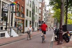 Bicyclists w Amsterdam Zdjęcia Royalty Free