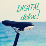 Bicykl i teksta cyfrowy detox Zdjęcia Stock