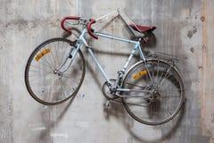 Bicykl na ścianie Obraz Stock