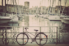 Bicykl na quay obrazy royalty free