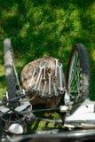 Bicykl naprawa Narzędzia, instrument dla naprawiać rower na drewnianym fiszorka tle blisko szprych koło z bliska zdjęcie stock