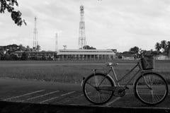 Bicykl strzelający w wsi Obrazy Royalty Free
