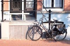 Bicykl w Amsterdam, holandie obrazy royalty free