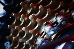 Bicyklu łańcuszkowy tło z czerwonym światłem Zdjęcia Royalty Free