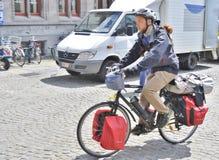 Bicyle relleno en Brujas, Bélgica Foto de archivo